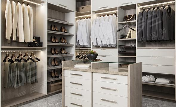 现代风格全铝衣柜